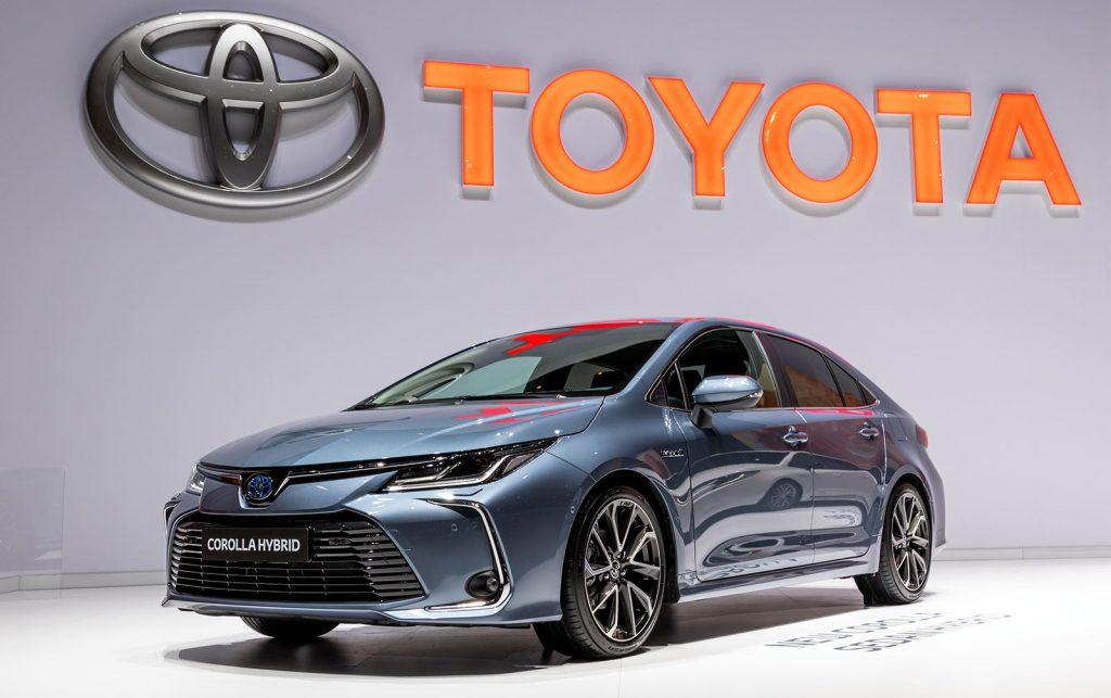 Toyota Corolla Hybrid samochód hybrydowy web