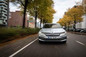 Skoda Superb iV Hybrid 2020 Combi zdjecie 31