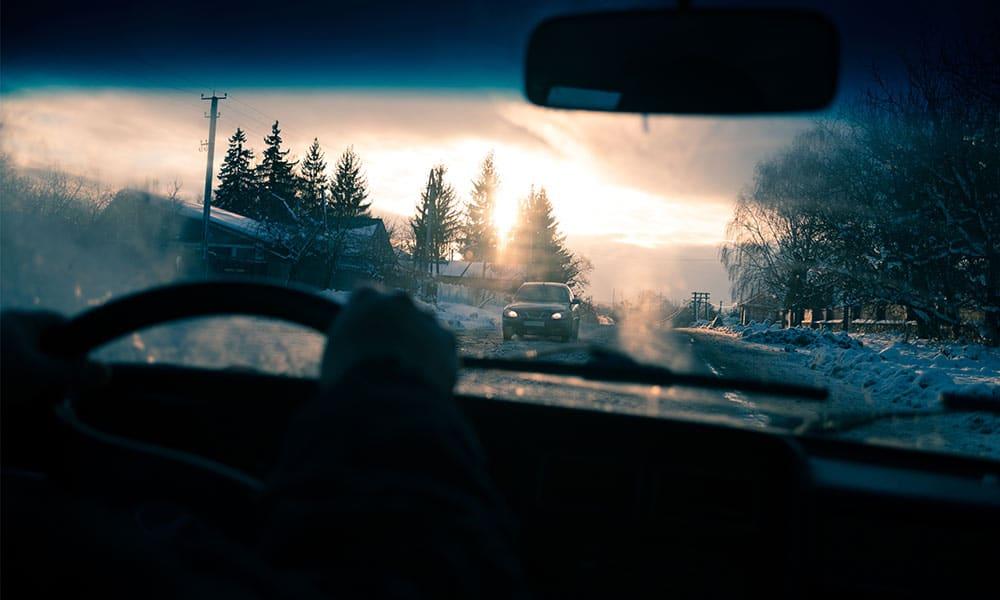 Jak zimą poprawić widoczność za kierownicą?