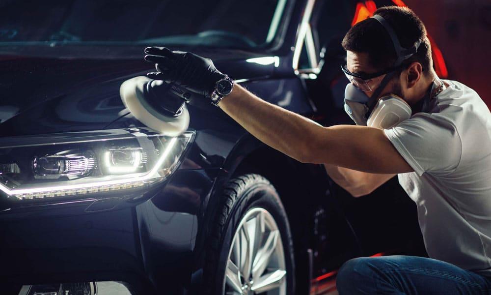 Zabieg polerowania lakieru samochodowego usunie wszelkie zarysowania i niedoskonałości oraz widocznie poprawi kondycje powłoki lakierniczej