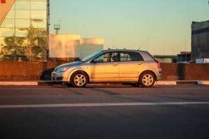 Toyota Corolla e12 kupujesz uzywany samochod Sprawdz na co zwrocic uwage podczas zakupu