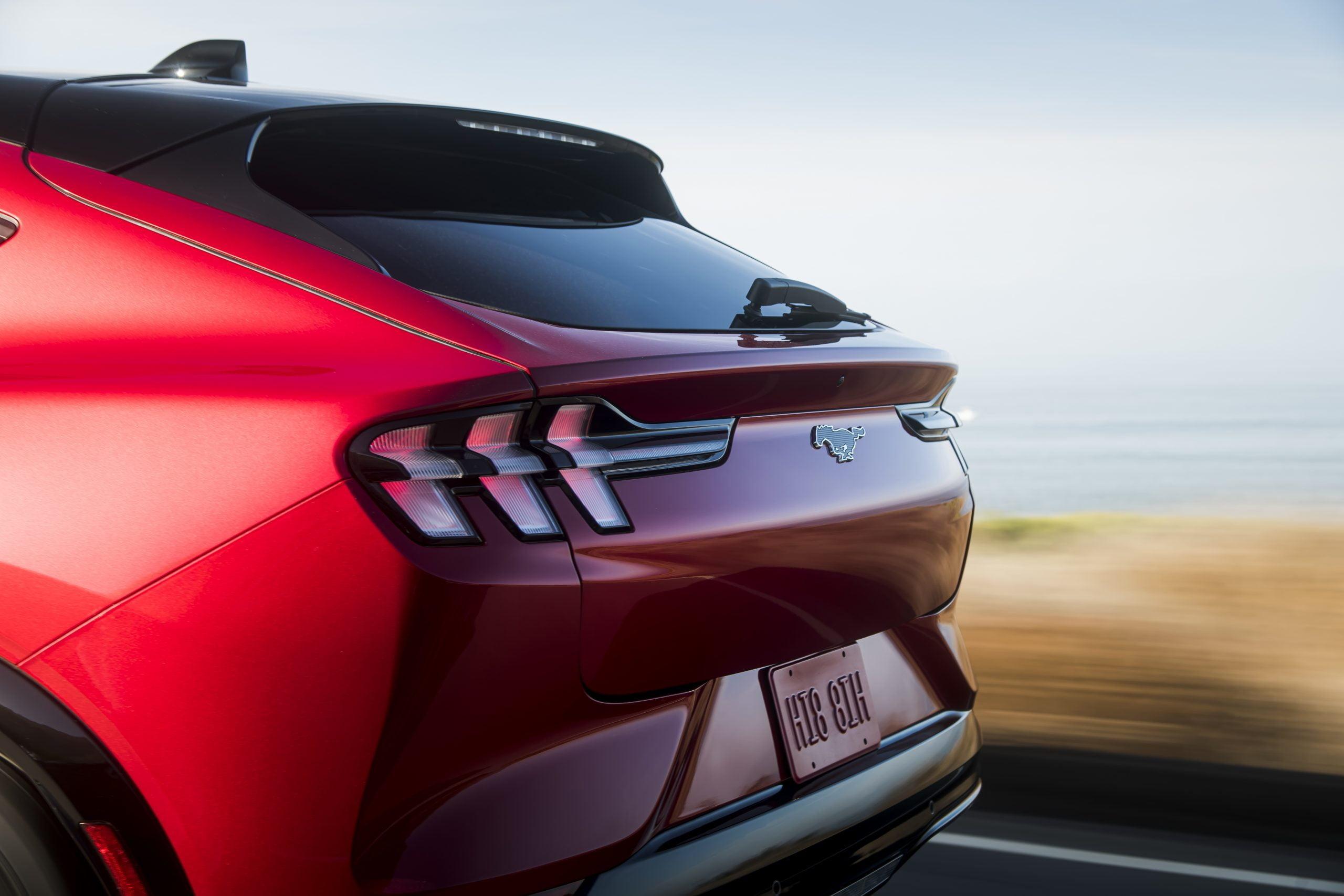 Ford Mustang Mach-E 2021 - dane techniczne