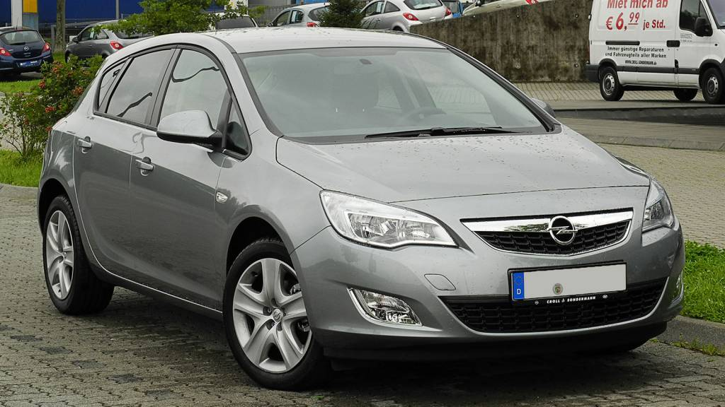Opel Astra Design Edition J Front samochodu CC BY SA 3.0 DE