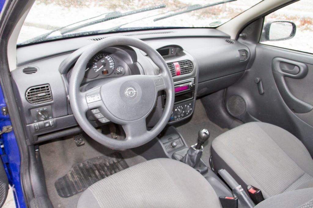 Opel Corsa C wnetrze